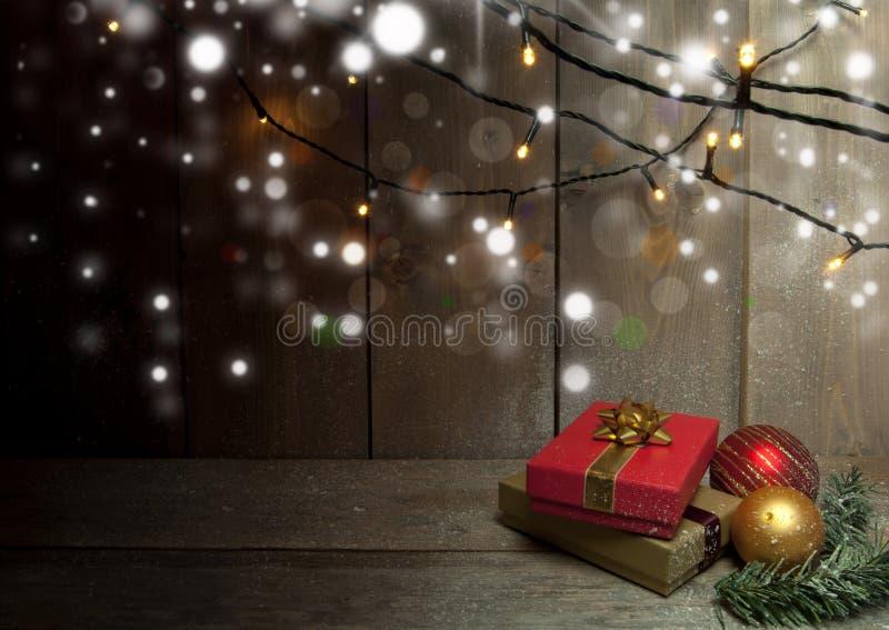 Fondo de los regalos de la Navidad foto de archivo libre de regalías