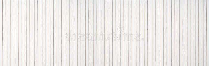 Fondo de madera blanco ancho adicional del revestimiento de madera de la pared fotografía de archivo