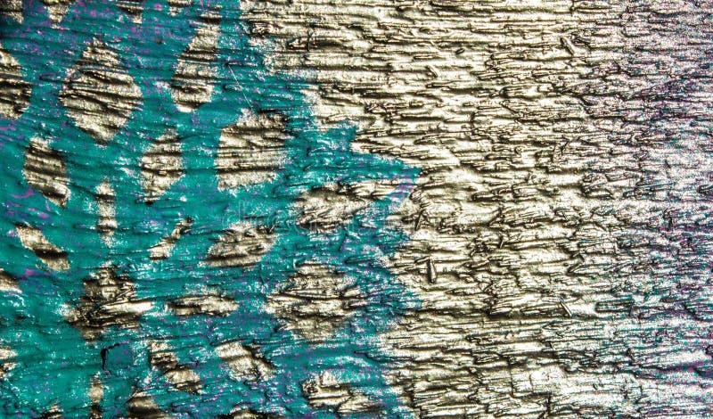Fondo de madera con los copos de nieve de plata en un fondo azul y púrpura Año Nuevo, la Navidad, fondo, textura fotografía de archivo libre de regalías