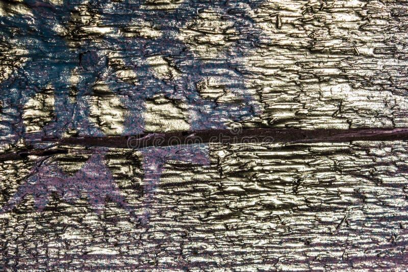 Fondo de madera con los copos de nieve de plata en un fondo azul y púrpura Año Nuevo, la Navidad, fondo, textura fotos de archivo libres de regalías