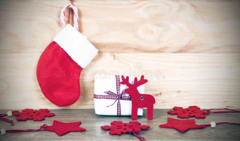 Fondo de madera del decorationson de la Navidad fotos de archivo libres de regalías
