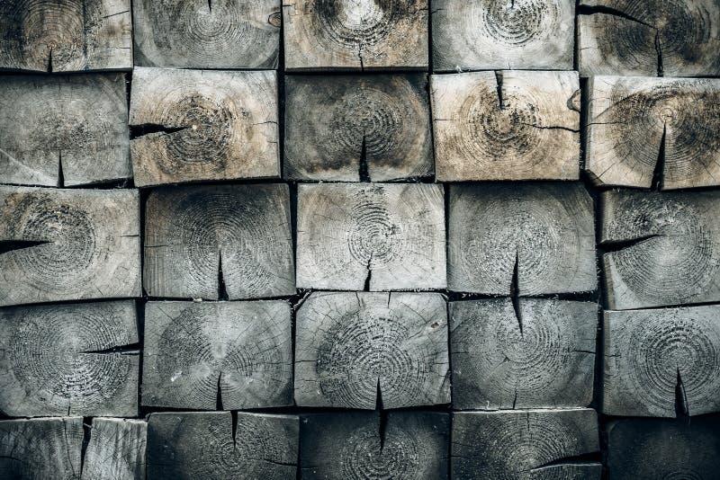 Fondo de madera gris lamentable Modelo abstracto con los tablones cuadrados Primer de la textura del roble Gris, madera de pino - imagen de archivo libre de regalías