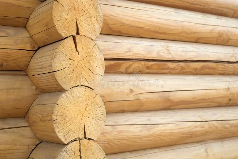 Fondo de madera rústico de la textura de Brown fachada de una cabaña de madera, espacio de la copia foto de archivo