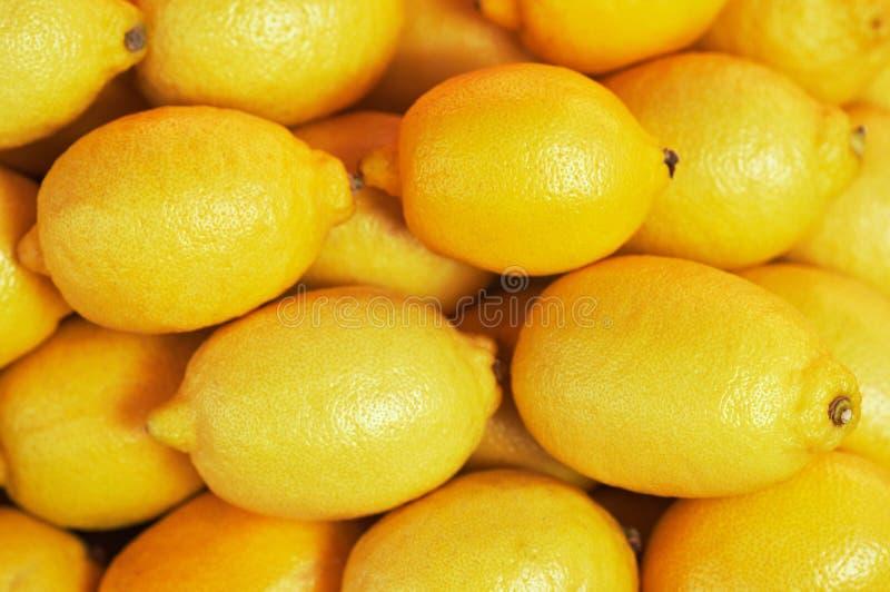 Fondo de muchos limones en mercado fotografía de archivo libre de regalías
