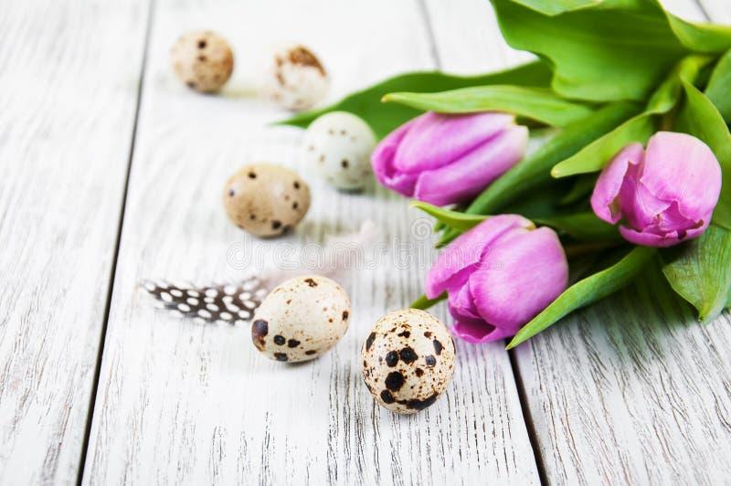 Fondo de Pascua con los huevos fotos de archivo libres de regalías