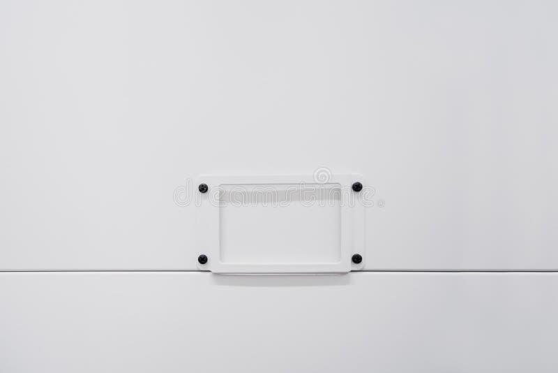 Fondo del blanco de la etiqueta del espacio en blanco del almacenamiento de la caja fotos de archivo libres de regalías