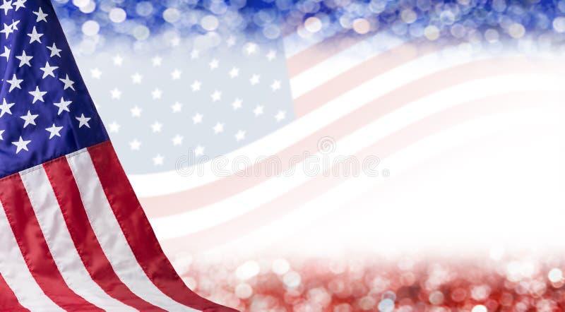 Fondo del bokeh e della bandiera americana immagini stock libere da diritti