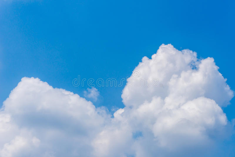 Fondo del cielo azul del cúmulo de las nubes foto de archivo libre de regalías