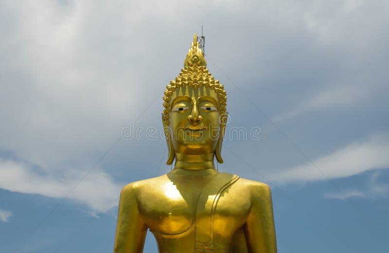 Fondo del cielo di Buddha fotografia stock libera da diritti