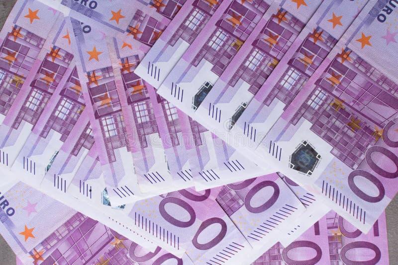 Fondo del dinero - quinientos 500 billetes de banco euro de las cuentas fotografía de archivo libre de regalías