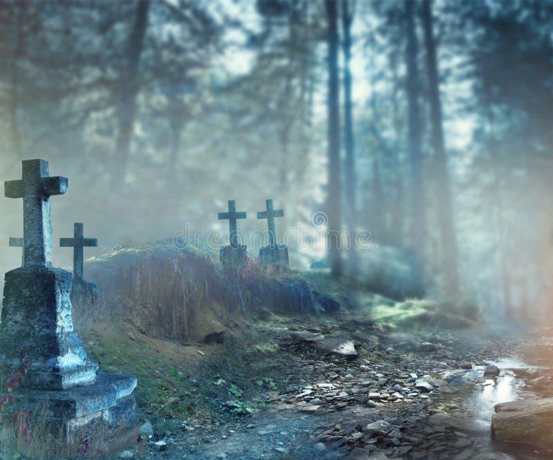 Fondo del diseño del arte de Halloween Cementerio brumoso imágenes de archivo libres de regalías