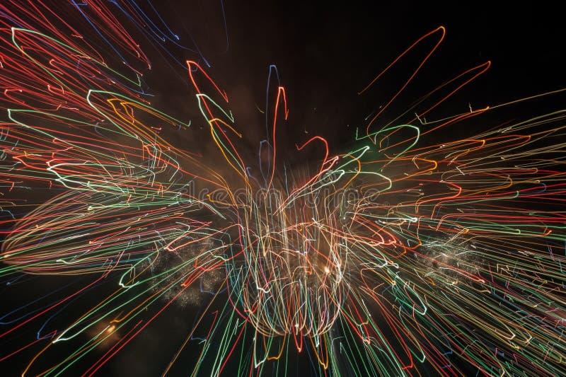 Fondo del fuoco d'artificio colorato estratto fotografia stock libera da diritti