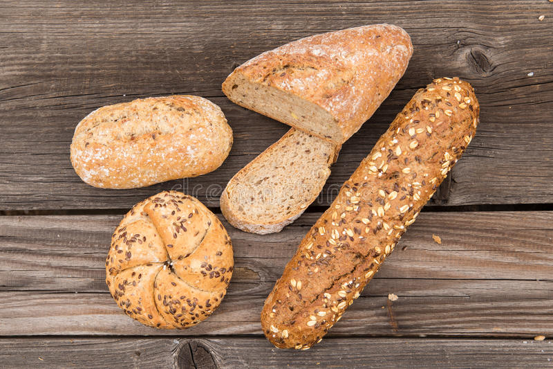 Fondo del pan fresco y de la panadería foto de archivo libre de regalías