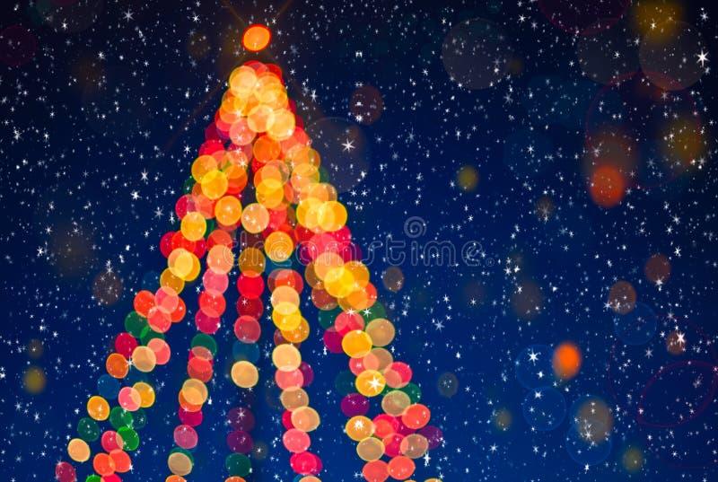 Fondo del partido de Blured Árbol de navidad con nieve libre illustration