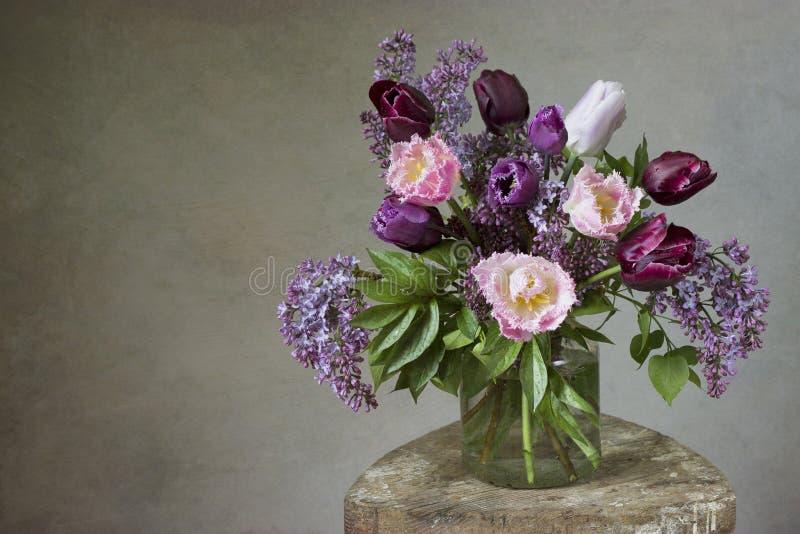 Fondo del ramo de la flor de la primavera foto de archivo