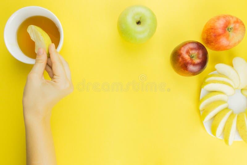 Fondo della frutta fresca per Rosh Hashanah immagini stock libere da diritti