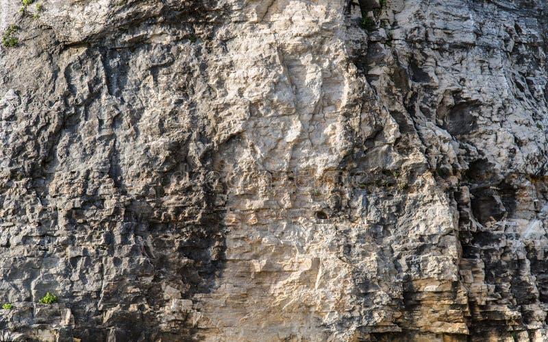 Fondo della roccia di scalata di montagna immagine stock