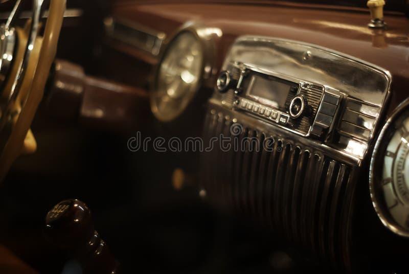 Fondo - dettaglio interno di un'automobile d'annata immagini stock