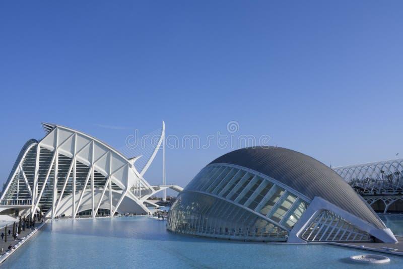 Fondo di Al di de Calatrava del puente di EL di raggiro di Hemisferic y ciudad de las ciencias fotografia stock libera da diritti