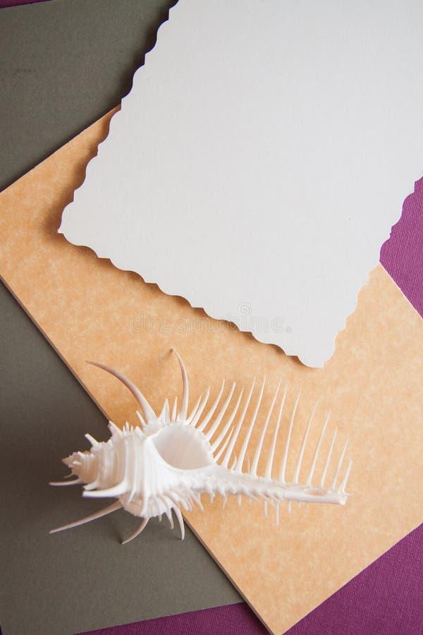 Fondo di carta con le coperture fotografia stock libera da diritti