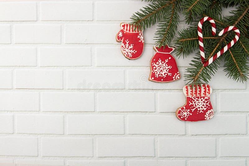 Fondo di festa del nuovo anno di Natale Decorazione con ginge rosso immagine stock