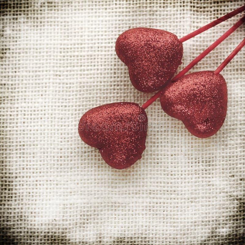 Fondo di giorno di biglietti di S. Valentino con i cuori fotografia stock libera da diritti