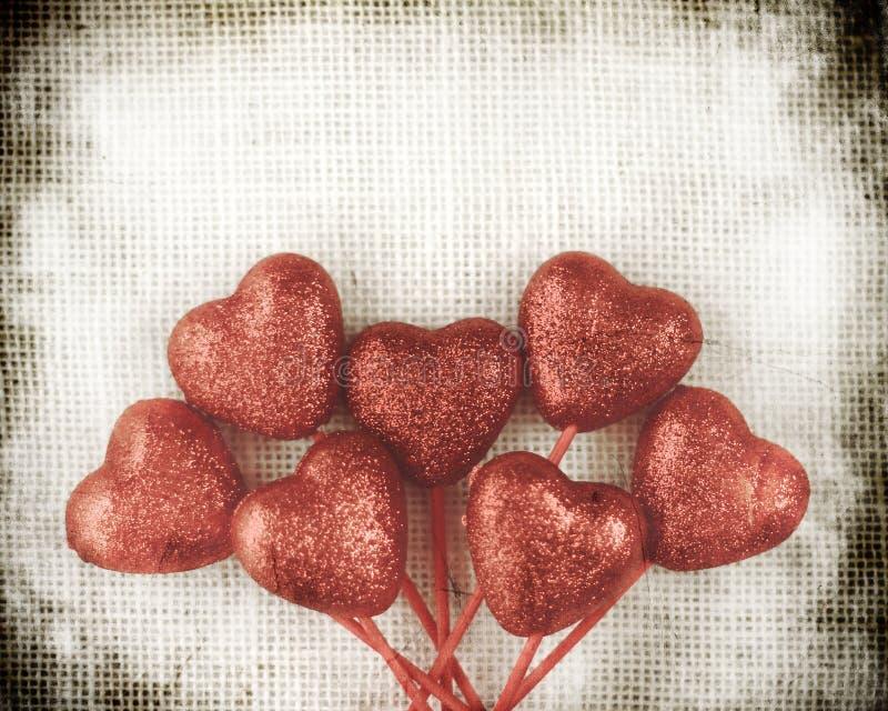 Fondo di giorno di biglietti di S. Valentino con i cuori fotografie stock libere da diritti