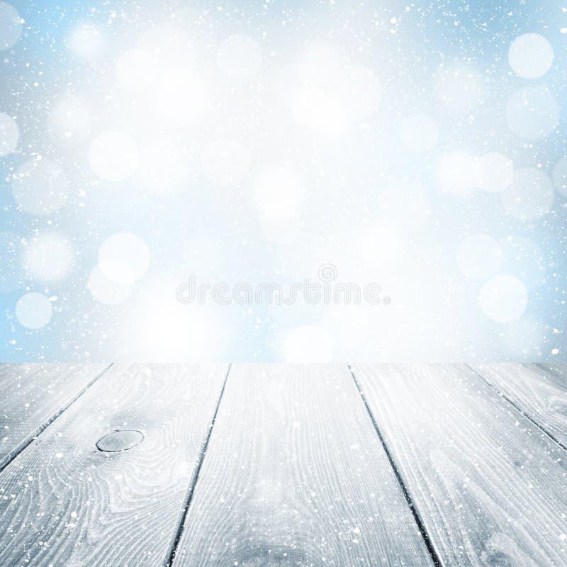Fondo di inverno di Natale con la tavola di legno immagine stock libera da diritti