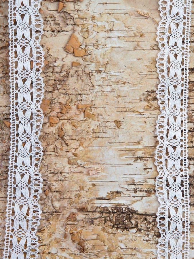 Fondo di legno con pizzo bianco fotografia stock libera da diritti