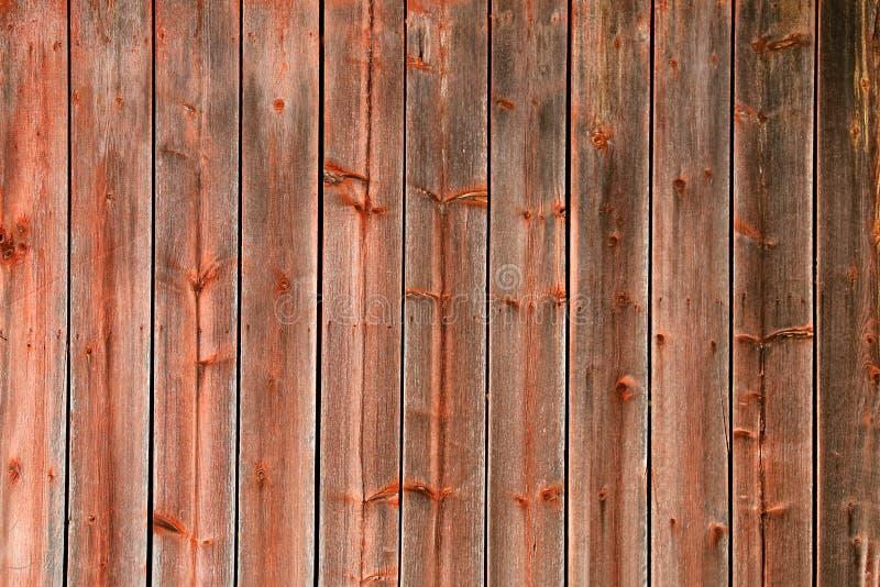 Fondo di legno del bordo del granaio stagionato rustico rosso fotografia stock libera da diritti
