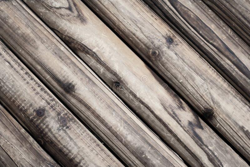 Fondo di legno di struttura di Brown in diagonale E fotografia stock libera da diritti