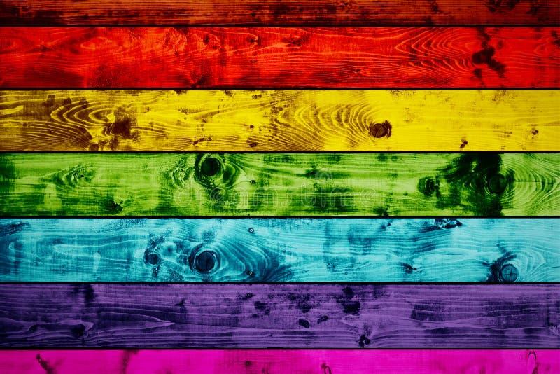 Fondo di legno variopinto delle plance di lerciume nei colori dell'arcobaleno immagine stock libera da diritti