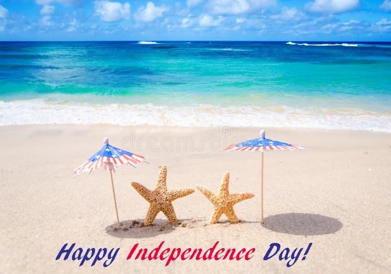 Fondo di U.S.A. di festa dell'indipendenza con le stelle marine fotografia stock libera da diritti