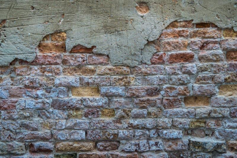Fondo di vecchia struttura del muro di mattoni della crepa immagini stock