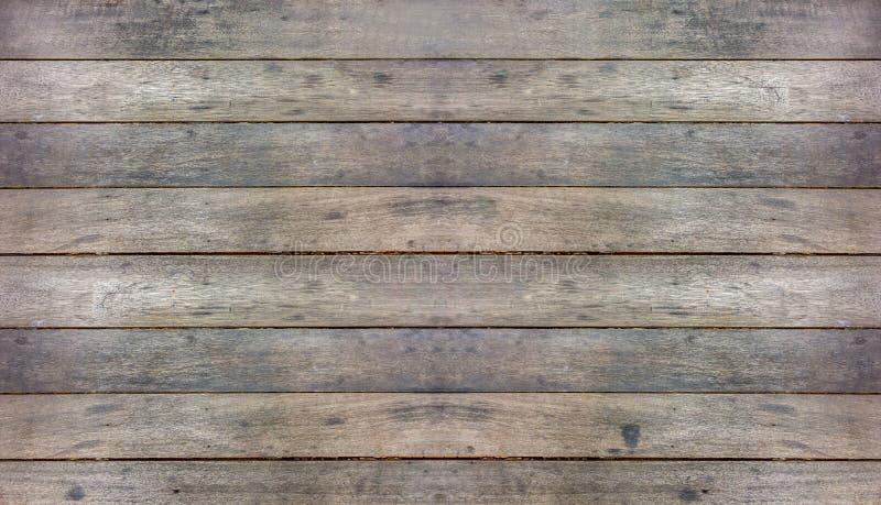 Fondo duro diagonale rustico di struttura della superficie di legno di marrone scuro, fotografia stock libera da diritti