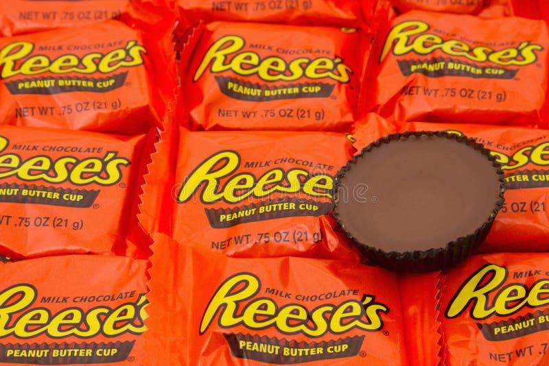 Fondo editorial del caramelo de la taza de la mantequilla de cacahuete de Reeses del uso solamente imagen de archivo