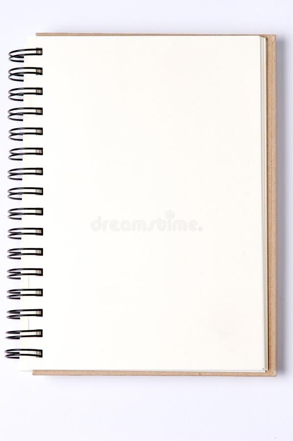 Fondo en blanco cuadernos espirales de papel aislados foto de archivo