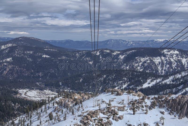 Fondo escénico del invierno del lago Tahoe fotos de archivo