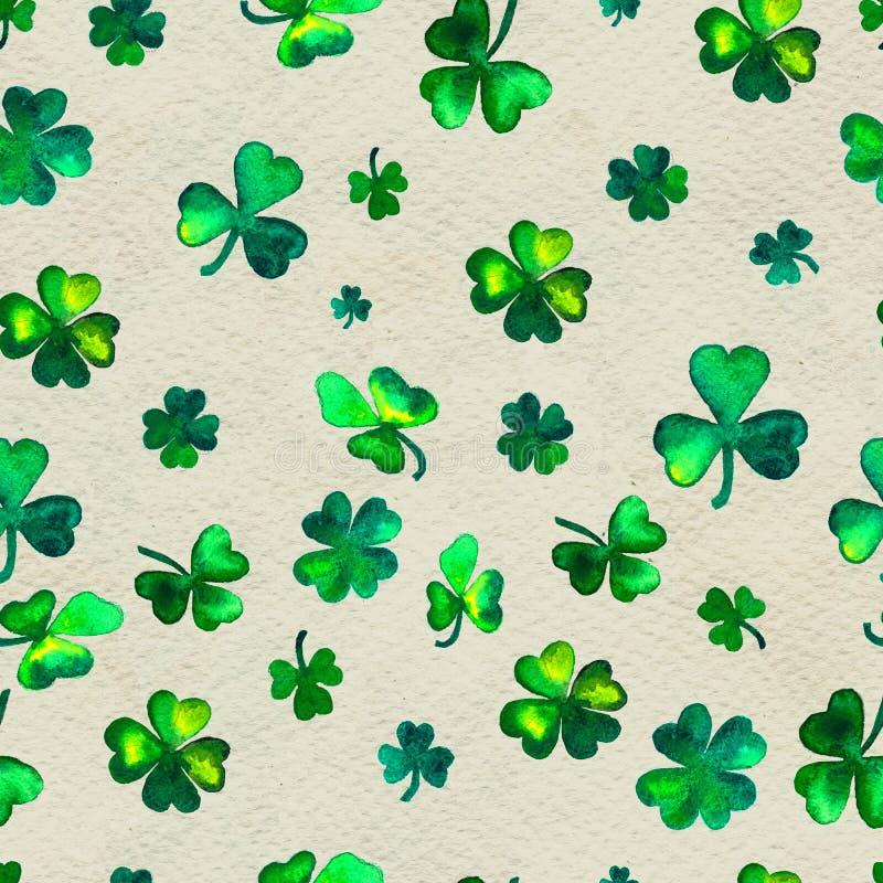 Fondo exhausto de la mano inconsútil con las hojas de los símbolos del día de St Patrick del colver libre illustration