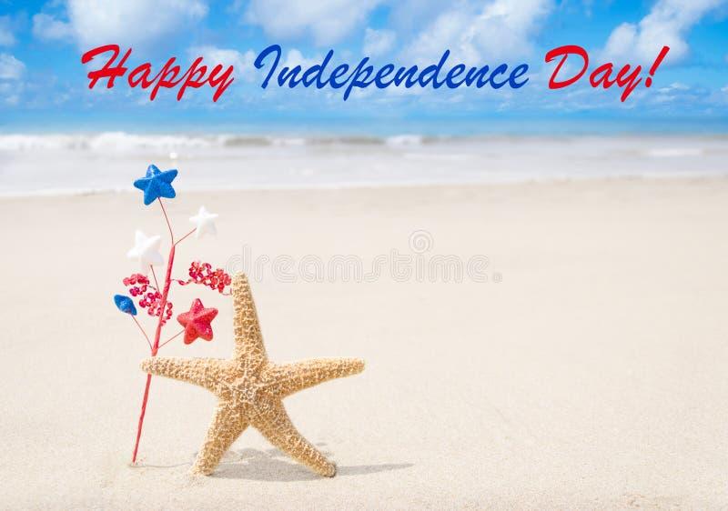 Fondo felice di U.S.A. di festa dell'indipendenza con le stelle marine immagini stock