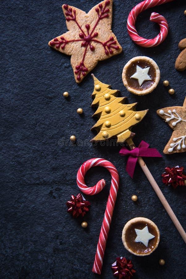 Fondo festivo de la comida de los dulces de la Navidad fotos de archivo libres de regalías