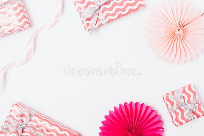 Fondo festivo en colores pastel de las cajas de regalo foto de archivo libre de regalías