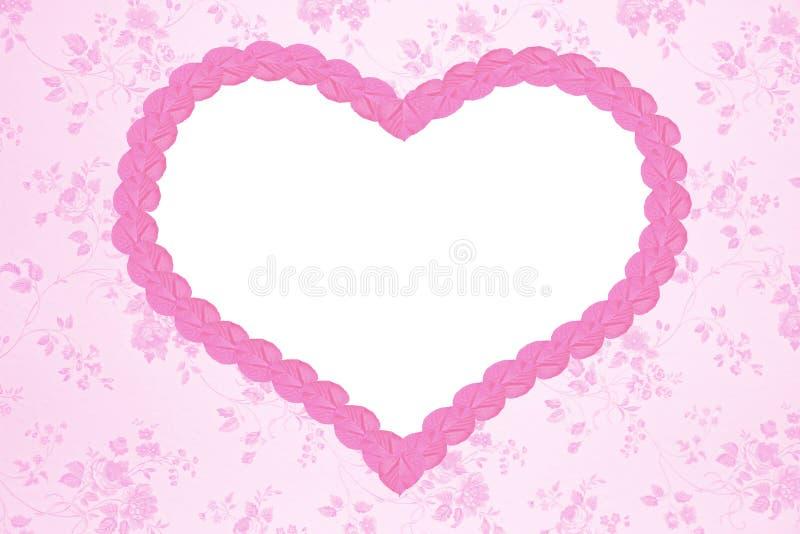 Fondo floral nostálgico con el corazón rosado imagen de archivo