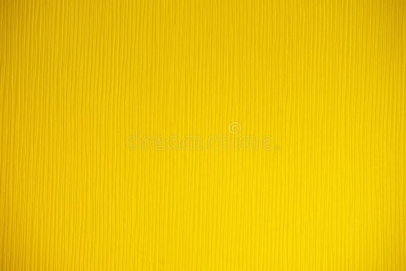 Fondo giallo con le vene e la direzione verticale fotografia stock libera da diritti