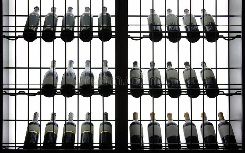 Fondo hecho excursionismo de las botellas imagen de archivo
