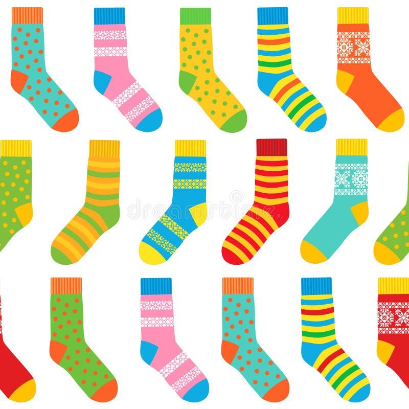Fondo inconsútil de calcetines multicolores con los modelos y las rayas stock de ilustración