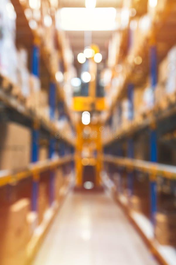 Fondo industrial borroso extracto, almacén, fondo vertical, efecto mate ligero imagen de archivo