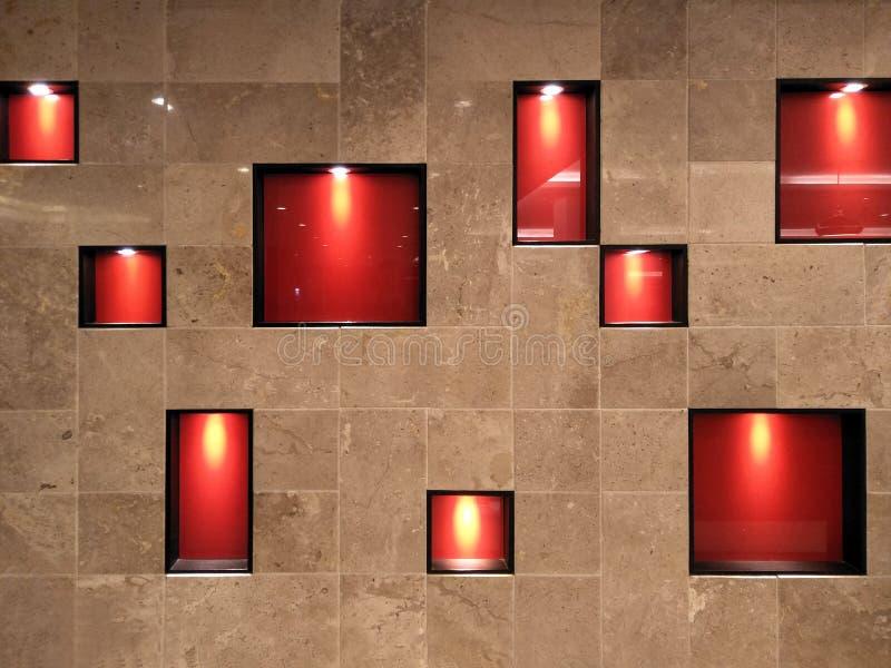 Fondo, interno e decorazione ceramici di lusso di marrone del mosaico con la lampada nella forma quadrata immagini stock