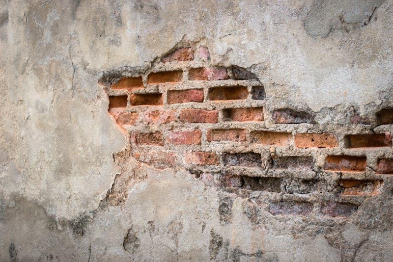 Fondo invecchiato della parete della via, vecchio fondo di struttura del mattone rosso immagine stock libera da diritti