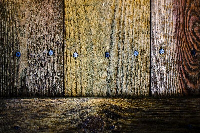 Fondo marrone di legno di contrapposizione brutale immagini stock libere da diritti